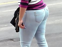 BIG BOOTY DOMINICAN MATURE IN JEANS CANDID - Pumhot porn