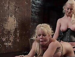 Mistress anal fucks lesbian pornstar